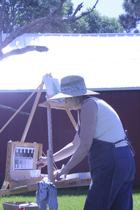 """Marlys Greenhalgh painting en plein aire at Kyle Martin's Chicken Coop Studio, """"Values Workshop"""""""
